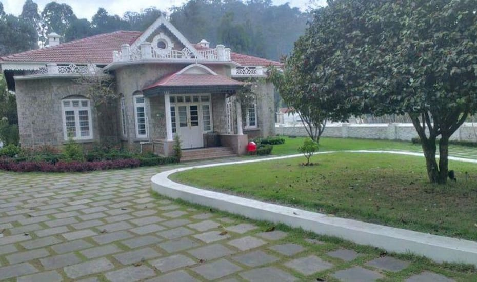 Hotels near lake in kodaikanal with photos and prices for Resorts in kodaikanal with swimming pool